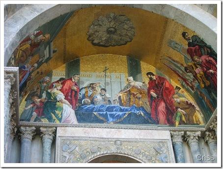 La intrarea în Basilica San Marco