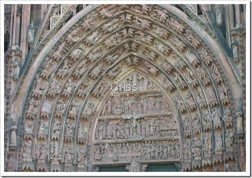 La intraree în catedrala din Strasbourg