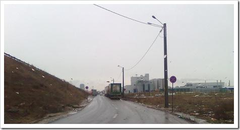 """Semnul """"Oprirea interzisă"""" nu deranjează pe nimeni. 28.decembrie 2009"""