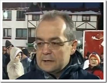 Premierul Boc pe pârtia de unde se țin discursurile pentru români
