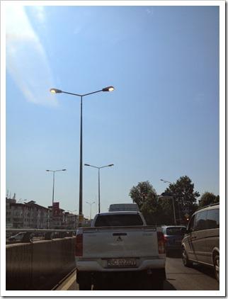 Iluminat stradal la ora 12.00
